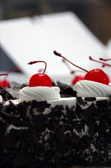 Free Black Forest Cake Royalty Free Stock Photos - 4467078