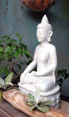 Free Buddha Statue Royalty Free Stock Image - 4478486