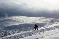 Free Snowboarder Freeride Via Mountain Peak And Storm Stock Photography - 4479882