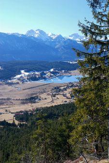 Free Alpine Scenery Royalty Free Stock Photography - 4489447