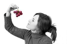Free Holding Grapes In The Palm Royalty Free Stock Photography - 4491237
