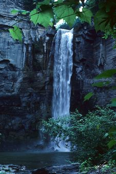 Free Waterfall Royalty Free Stock Photography - 4494177