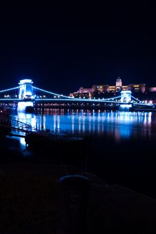 Free Budapest Chain Bridge And Castle Royalty Free Stock Photography - 450767