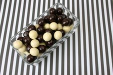 Free Chocolate Balls Royalty Free Stock Photography - 4505377