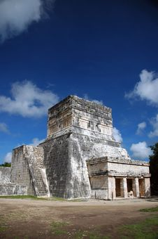 Free Spectator Building At Mayan Ball Court Royalty Free Stock Photo - 4507135