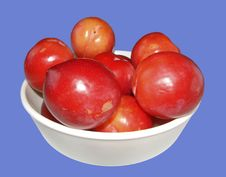 Bowl Of Plums Royalty Free Stock Photo