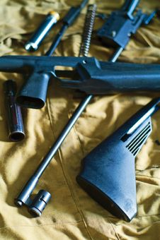 Free Disassembled Rifle Royalty Free Stock Image - 4508066