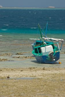 Boat With Low Tide Royalty Free Stock Photos