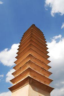 Free Buddhist Tower 1 Royalty Free Stock Photo - 4515695