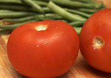 Free Juicy Fresh Tomatoes And Beans Royalty Free Stock Images - 4518389