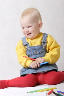Free Smiling Small Girl Drawing Stock Photo - 4527660