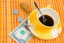 Free One Dollar And 50 Cent Pay For Coffee And Cookies Royalty Free Stock Photos - 4542968