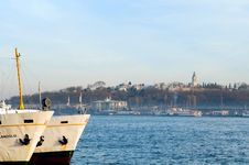 Free Hagia Sophia And Ferries Royalty Free Stock Image - 4548536
