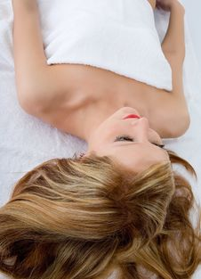 Free Attractive Woman Getting Spa Treatmen Stock Photography - 4549372