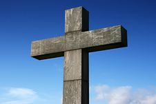 Free Stone Cross Under A Blue Sky Royalty Free Stock Photos - 4549408