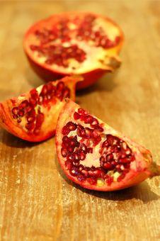 Free Broken Ripe Pomegranate Fruit Stock Photos - 4550843