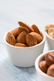 Free Almonds, Hazelnut, And Acajou Royalty Free Stock Images - 4551659