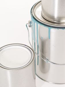 Free Close Up Of Two Qaurt And One Gallon Paint Cans Royalty Free Stock Photography - 4552837