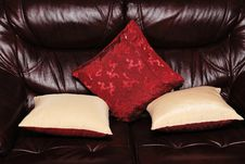 Free Leather Sofa Royalty Free Stock Images - 4555499