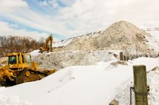 Free Mountain Of Snow Royalty Free Stock Images - 4557349