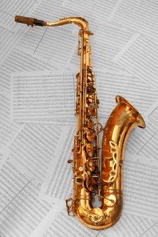 Free Old Golden Saxophone Stock Image - 4557791