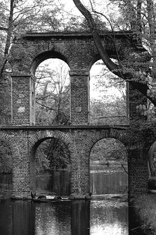 Free Antique Roman Aqueduct Stock Photos - 4558533