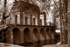Free Antique Roman Aqueduct Royalty Free Stock Photo - 4558575