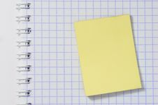 Yellow Sticky Note Stock Photography