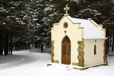 Free Forested Chapel Royalty Free Stock Photos - 4559368