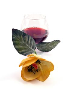 Free Glass Of Wine And Flower Royalty Free Stock Photography - 4560647