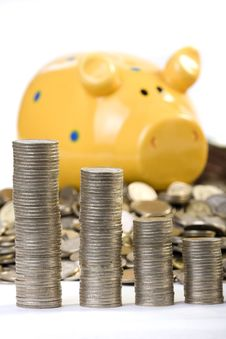 Free Piggy Bank And Coins Chart Stock Photos - 4561373