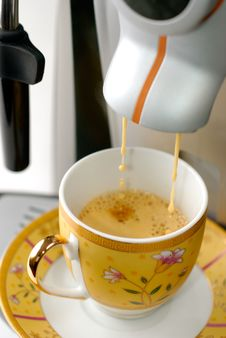 Free Espresso Preparing Royalty Free Stock Photography - 4563827