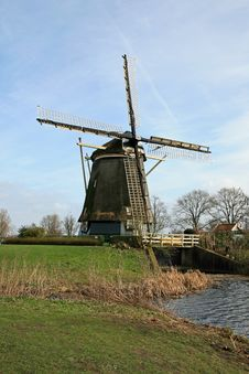 Free The Windmill In Dutch Countryside Stock Images - 4564694