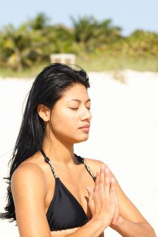 Free Woman Doing Yoga On The Beach Stock Images - 4565234