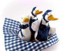 Free Porcelain Ducks Royalty Free Stock Photos - 4566468