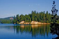 Free Lake In The Mountains Royalty Free Stock Photos - 4574948
