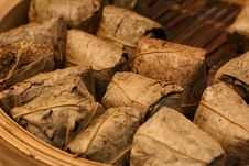 Free Dim Sum-glutinous Rice Wrapped In Lotus Leaf Stock Images - 4579924
