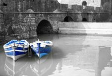 Free Black And White Harbour With Two Blue Boats Royalty Free Stock Photos - 4582358