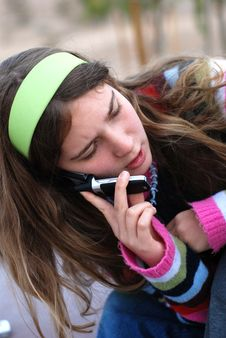 Free Young Girl And Cellphone Stock Images - 4587844