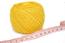 Free Yellow Sewing Clew And Centimeter Stock Photography - 4589272