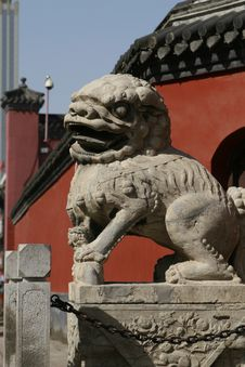 Free Chinese Stone Lion Royalty Free Stock Photography - 4591007