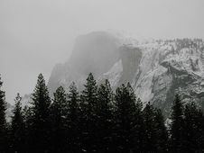Free Hald Dome - Yosemite Royalty Free Stock Images - 4593219