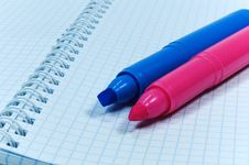 Free Two Colored Markers Royalty Free Stock Image - 4593636