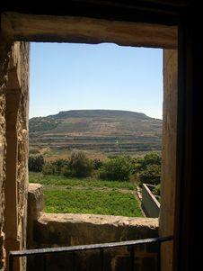 Free Window Over Field, Gozo (Malta) Royalty Free Stock Photos - 4596318