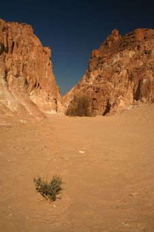 Free Red Canyon Royalty Free Stock Images - 4599209