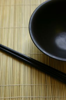 Free Asian Dining Set - Chopsticks And Bowl Royalty Free Stock Images - 462979