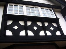 Free Tudor Style House Front Royalty Free Stock Images - 465219