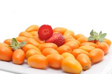 Free Strawberry And Kumquats Royalty Free Stock Images - 4600409