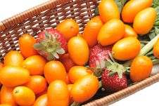 Free Kumquats And Strawberry Royalty Free Stock Images - 4600499