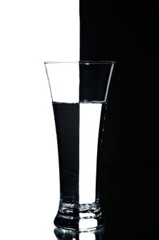 Free Glass With Water Royalty Free Stock Photography - 4601877